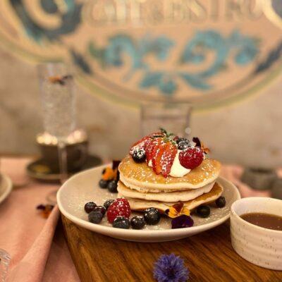 Curious Cafe Image 3
